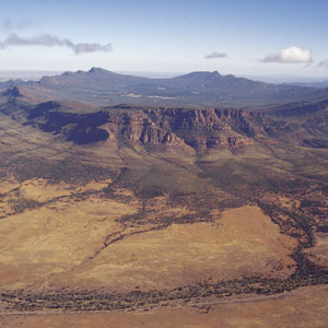 http://images.search.conduit.com/ImagePreview/?q=flinders+ranges&ctid=CT3220468&SearchSource=2&FollowOn=true&PageSource=Results&SSPV=&CUI=UN70460166986029734&UP=&UM=&start=0&pos=30